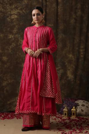 magenta Mrinalika Salwar suit