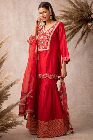 Red short scalloped kurta set
