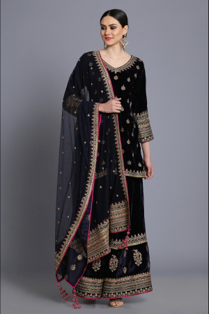 Silk velvet short tunic with sharara and odhni
