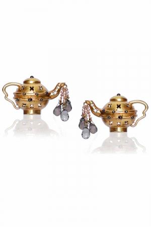 Dripping Teapot studs