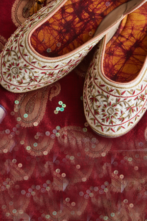 Cream Collect- Hand Embroidered Cream and Green Juttis