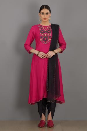 pink embroidered chanderi silk hamza kurta set