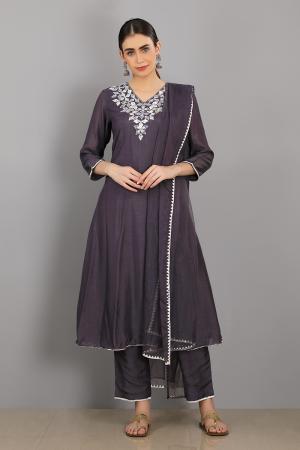 inkwell  embroidered chanderi silk kareeb kurta set