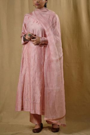 Pink embroidered chanderi kurta set