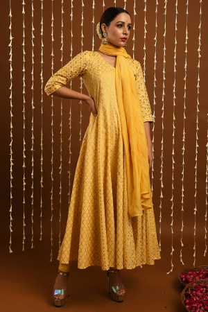 Yellow gold khadi set