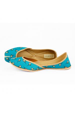 Tweet Feet