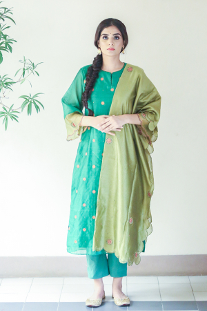 Green chanderi embroideredscalloped dupatta kurta set