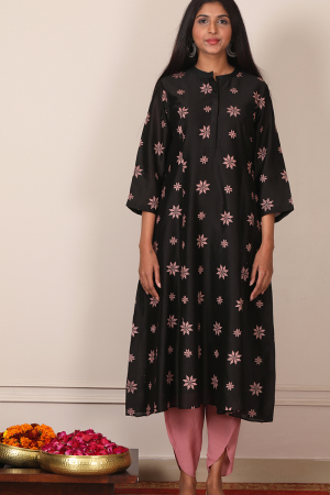 black Phulkari embroidered kurta