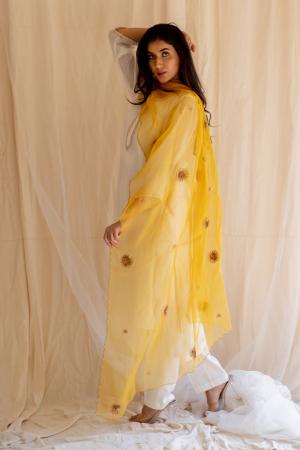 mustard yellow panch pankhiya odhani