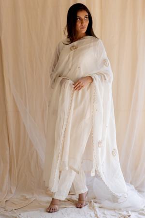 ivory white chaand odhani
