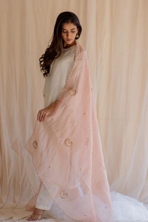 Blush pink tissue chaand odhani