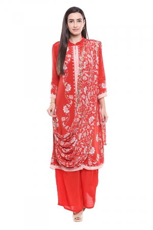 Red set printed with palazzos