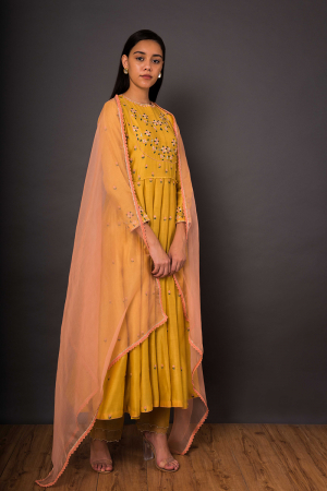 Sunheri Faiza Peshwas set