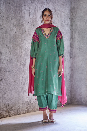 Green prakriti kurta set