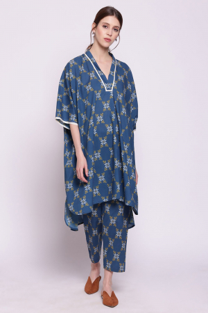 blue snowflake printed cotton cape with printed pants