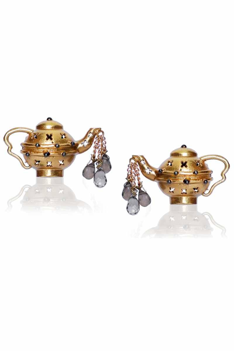 Dripping Teapot studs