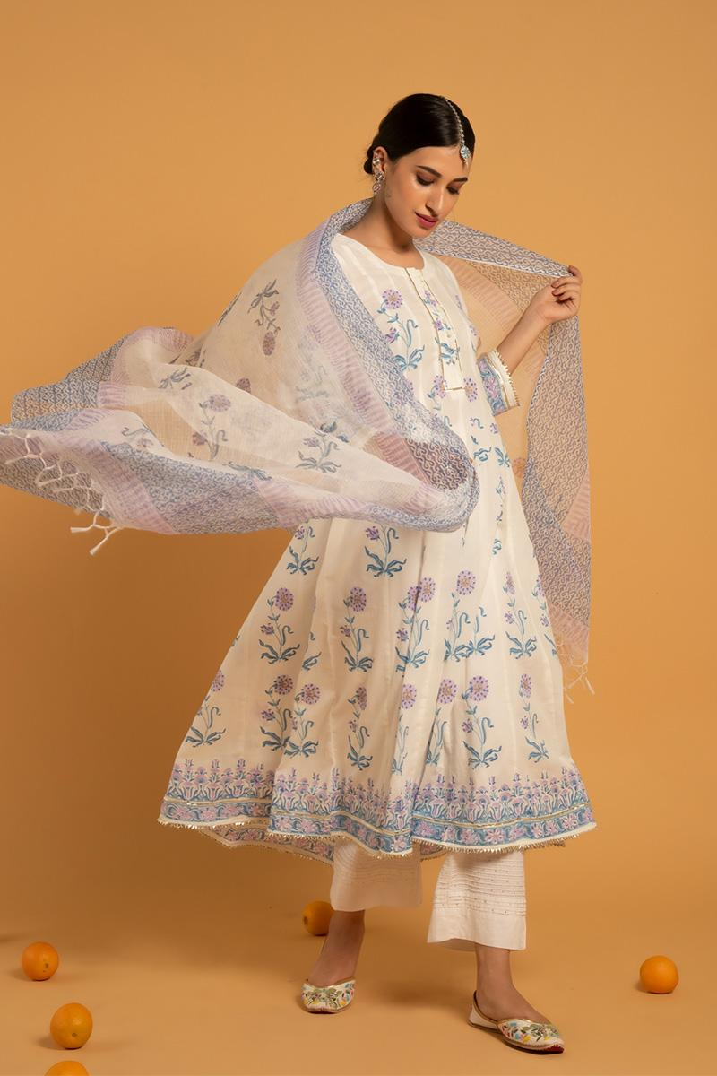 White Hand Printed Cotton Surajmukhi Shwet Kurta set