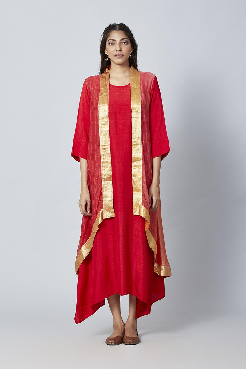 Orange red Orange red Ombre hued kurta  with ombre cape(2 pc)